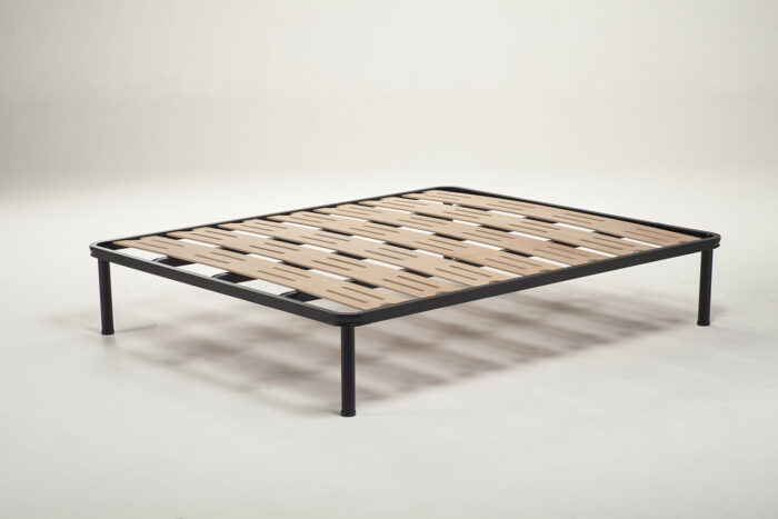 Tutto il comfort e la resistenza in una rete letto con aerazione. 7 doghe a larghezza maggiorata e con sistema di aerazione per la cura del materasso.
